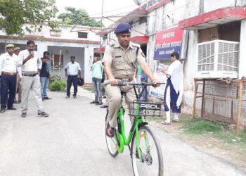वाराणसी: किराये पर मिलेगी हाईटेक साइकिल, आधे घण्टे का किराया 1, मोबाइल से खुलेगा लॉक