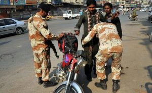 Rangers checking during Operation Karachi, : Photo by News Lens Pakistan/