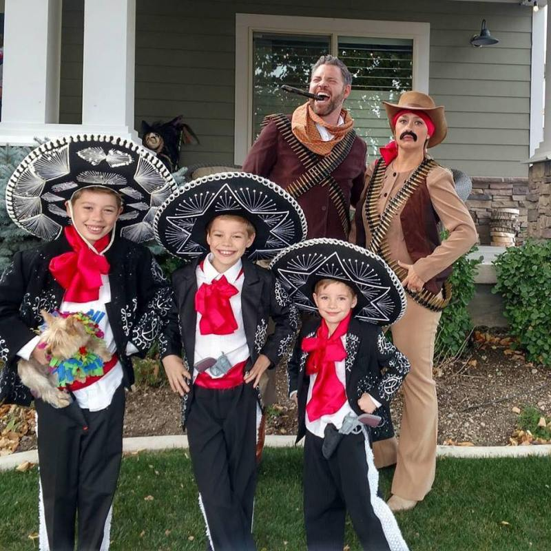 sunday dinner family costume source 50 family costume ideas for halloween three amigos