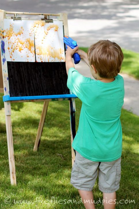 Squirt gun painting craft for kids