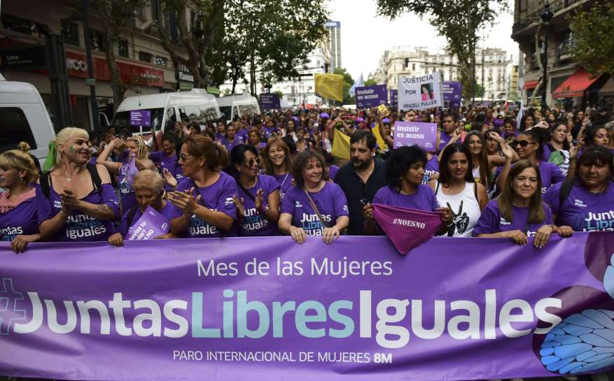 Feminist organizations from different fields mobilized within the framework of 8M. (Photo: Télam).