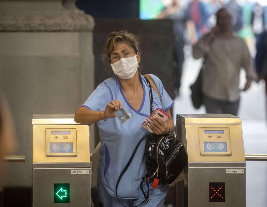 Health personnel have been considered essential since the quarantine began. (Photo: Argentine News)