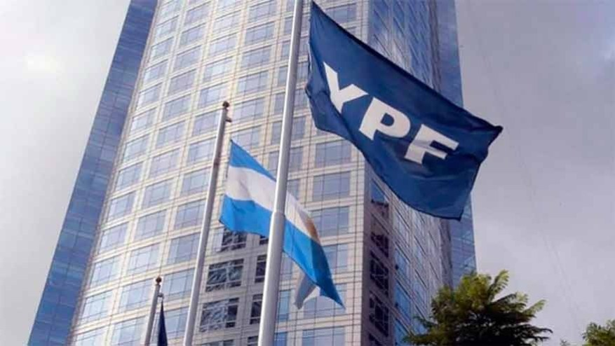 YPF was financed with 0% dollar linked debt