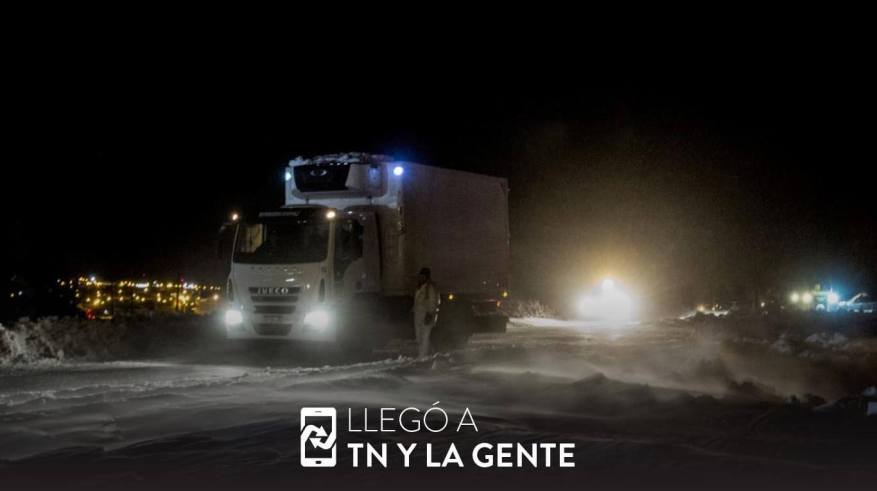 Due to the accumulation of snow, there are impassable routes in Neuquén. (Photo: TN and La Gente).
