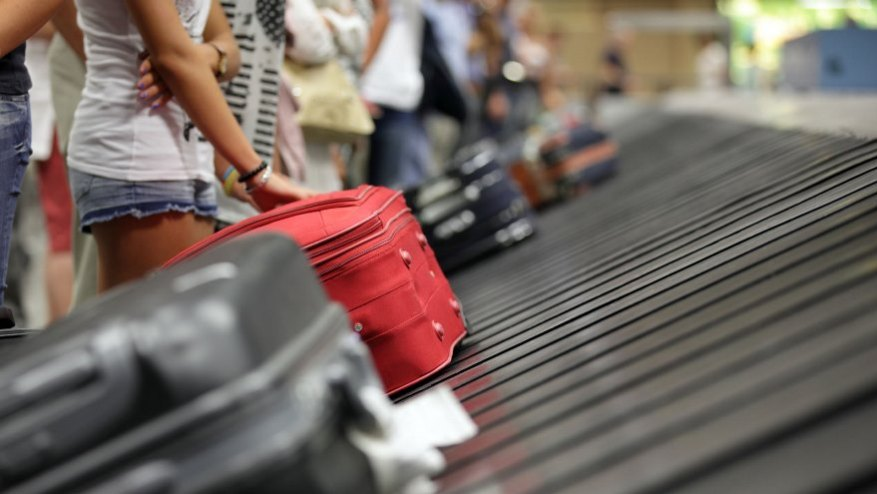 The travel sector takes the lead with strong discounts.