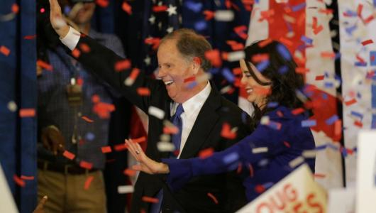 Republicans suffer a historic defeat in Alabama with the triumph of Democrat Doug Jones for the Senate