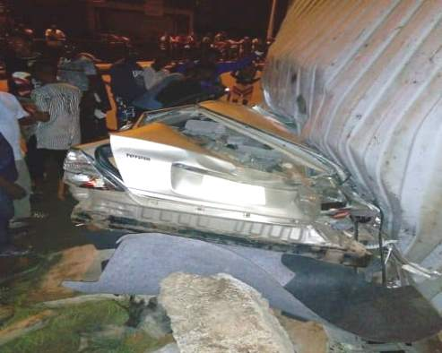 Scores Feared Dead, Trapped As Container Falls In Lagos