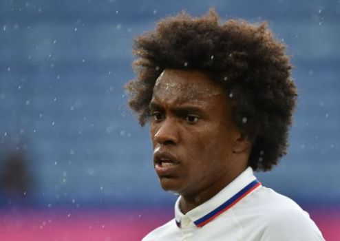 Willian Dumps Chelsea, Completes Arsenal Move On Three-Year Deal