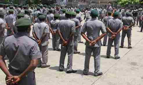 Killings: Monarch, stakeholders Expel Customs Officials From Oyo Community