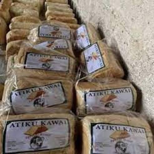 Nigerians React As Kano  Residents Scramble For Atiku Bread