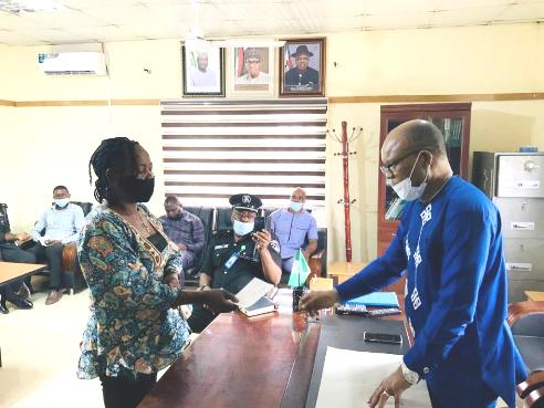 INEC Rewards Beneficiaries Of Officers Who Died In Boat Mishap In Bayelsa