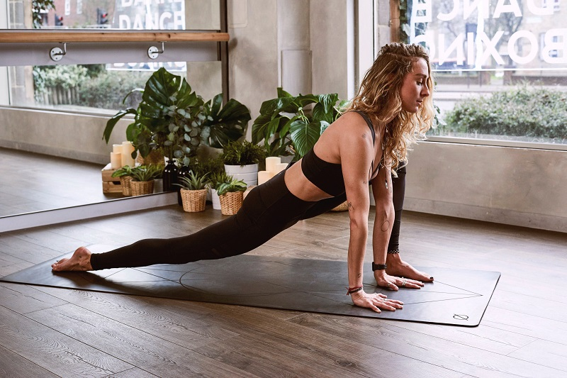 Use the best workouts for hotel rooms when you travel so you can stay on track to reach your fitness goals even when you're not home.