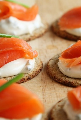 Start your holiday meal off on the right plate with some of the best healthy holiday appetizers that are nutritious and delicious.