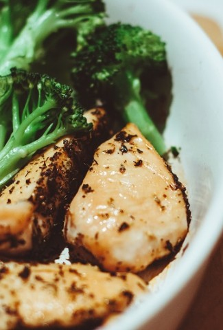 Healthy Family Dinner Ideas with Chicken on a Plate with Broccoli