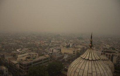 Hindistan'ın Başkenti Yeni Delhi'de Hava Kirliliği Tehlikeli Seviyeye Ulaştı