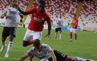 Beşiktaş Başladı, Sivasspor Bitirdi…! Beşiktaş: 1 – Sivasspor: 2 …!