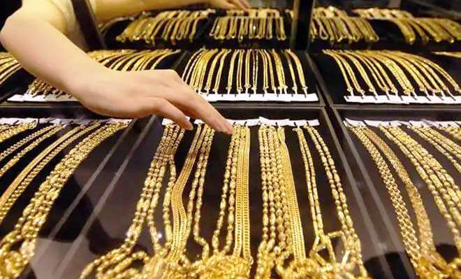 gold-chain-gold-coin-how-much-gold-one-can-keep-it-at-home