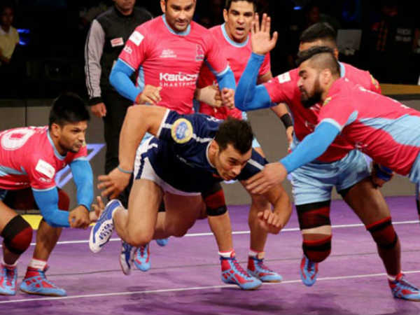 dabang delhi win against jaipur pink panthers in Pro Kabaddi League 2018
