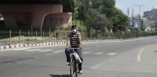 son started on bicycle from mumbai to jammu to see his father