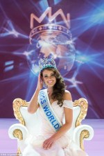 Photo: Rolene Strauss Wins the Miss World 2014 Award