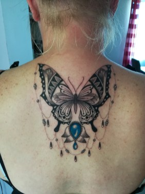 Butterfly dotwork tattoo - Tatouage papillon dotwork