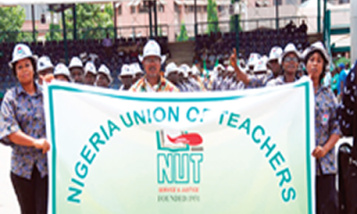 Row over teachers' registration