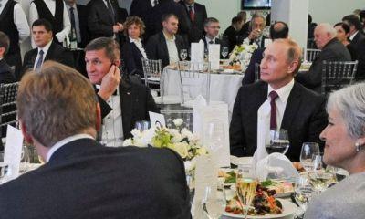 Russia: Ex-Trump aide 'wants immunity' to testify