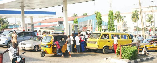 Fuel crisis: Queues resurface in Lagos, Ogun