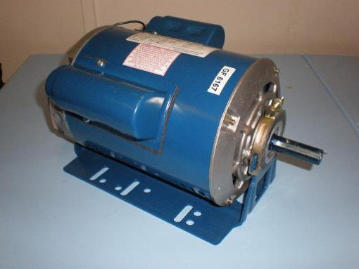 0.37kW, 1/2HP 220V/415V Three Phase, 4-pole, Drip Proof Resilient Base