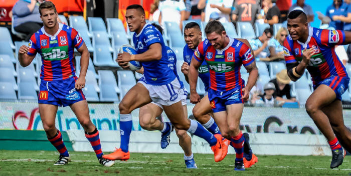 Newtown hooker Manaia Cherrington makes a midfield dash in the Jets' 28-18 loss to the Newcastle Knights at Southern Cross Group Stadium on Saturday. Photo: Gary Sutherland Photography