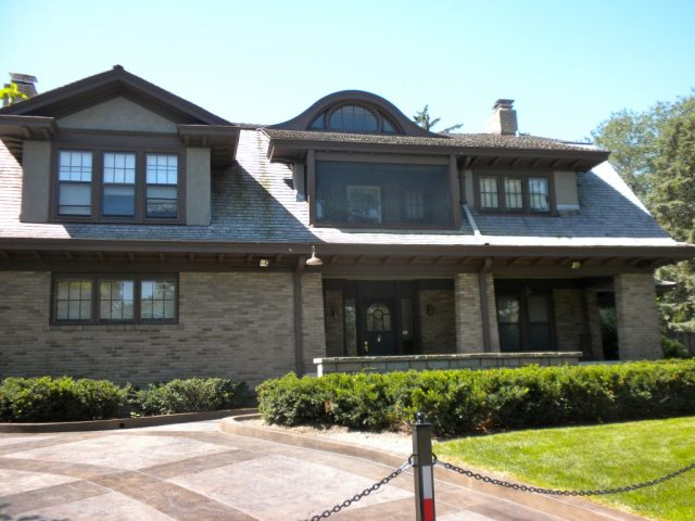 Warren Buffett House