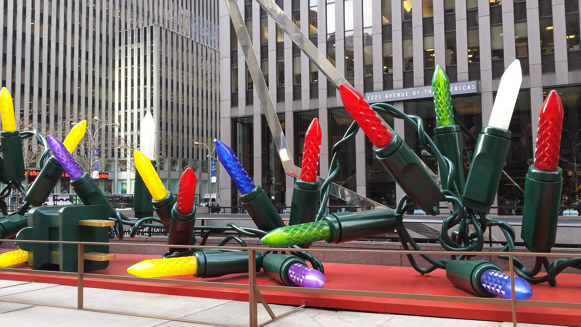 Christmas Time in New York: Top Attractions & Tips - New Yorker Tips