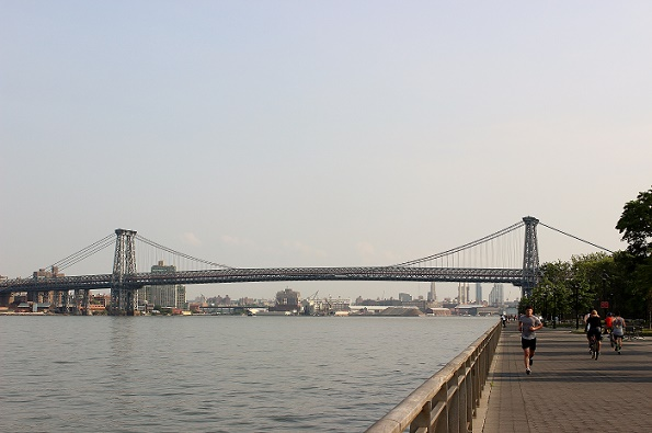 Jogging_2_East_River_blogg