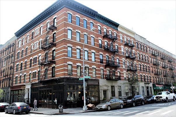 Manhattanville_buildning_NYC
