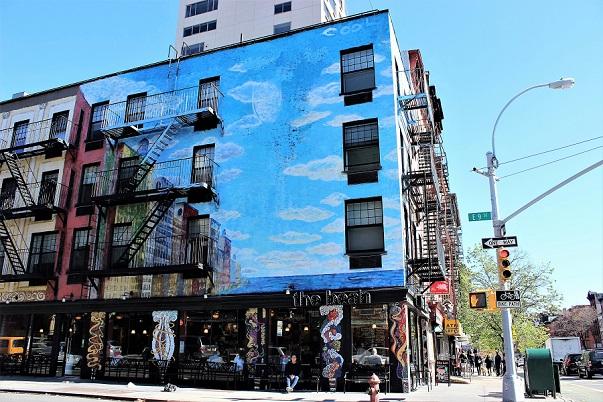 The_Bean_exterior_street_art(1)