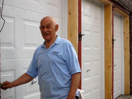 man-painting-on-richardson-streetnys