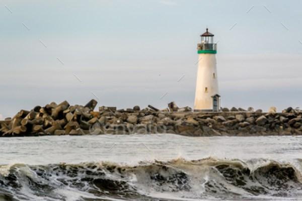 Santa Cruz Breakwater Light (Walton Lighthouse)