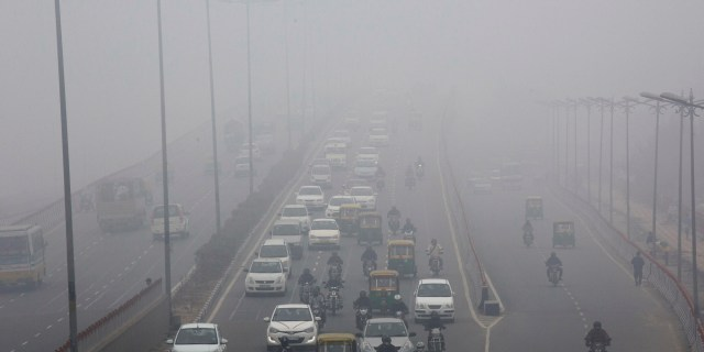 Delhi Air Pollution- No Break from Smog for Next 48 hours