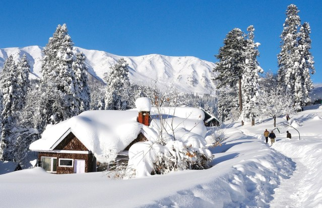 Best Places in India for Snow lovers to Experience Snowfall