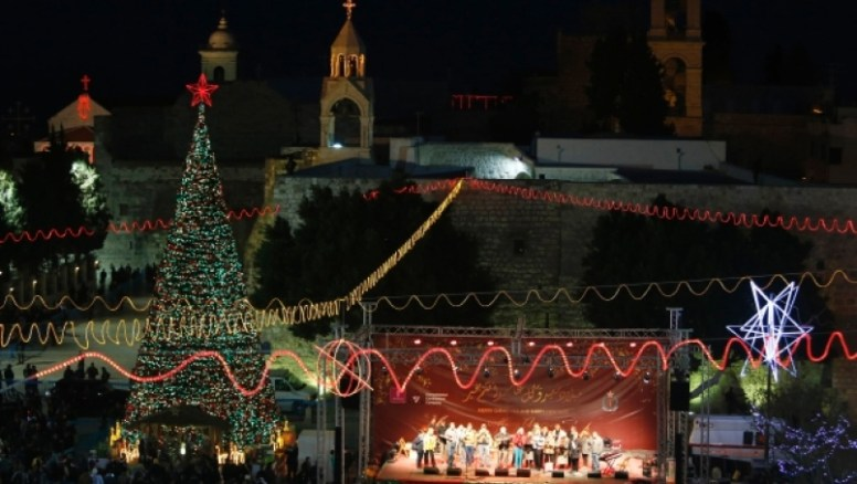 Anti-Trump protesters switch off Bethlehem Christmas lights