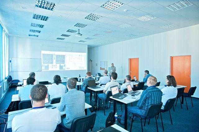 800px-FL_Technics_Training_-_Inside_the_class