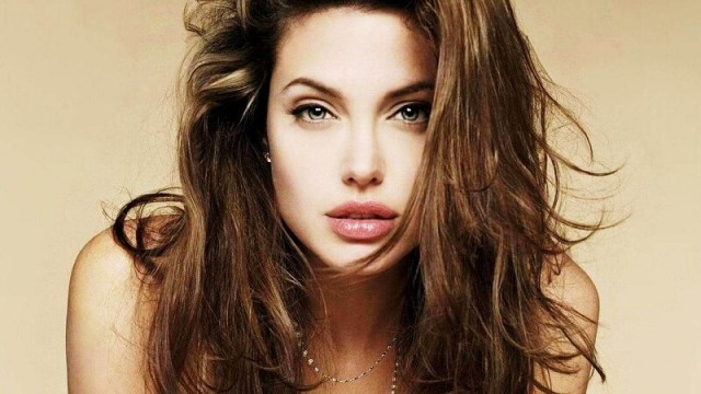 Angelina Jolie - Hottest Actress