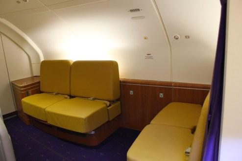 Thai Airways A380 Royal First Class - Lounge