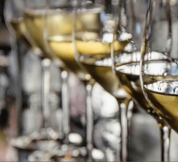 glasses-white-wine