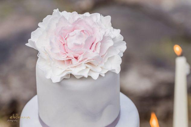 Beautiful Forever Styled Shooting: Concept – Wedding Dreams Salzburg, Fotos – Ebihara Photography, Flowers – Lidwina Blumen, Papeterie – Tiwa Design, Story – Schöngeist