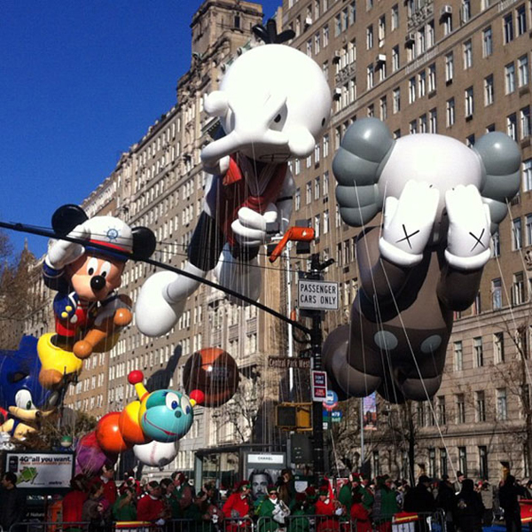 https://i1.wp.com/www.nfgraphics.com/wp-content/uploads/2012/11/kaws-companion-balloon-macys-parade.jpeg