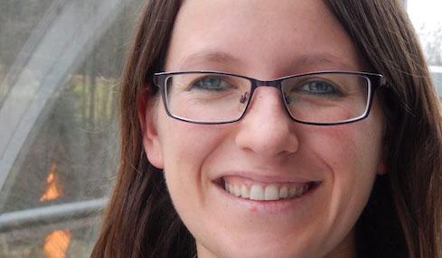 Portraetbild Kinesiologin Julia Dunzendorfer