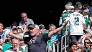 NY-Jets-Fans-2021-560x315-1