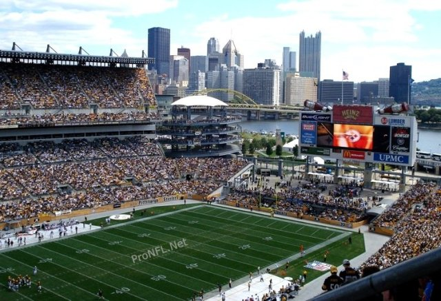 Pittsburgh-Steelers-ground-Heinz-Field
