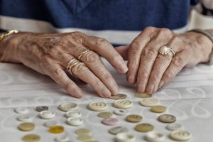 Overcome the Repetitive Behavior of Alzheimer's Disease